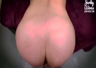 Mom with really big ass gets banged in doggy pose